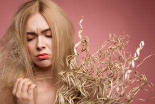 Rozdwojone końcówki włosów - proste i skuteczne sposoby na rozdwojone końce