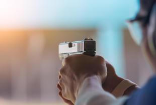 Jakie korzyści płyną z chodzenia na strzelnicę?