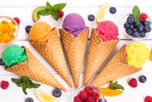 Jakie rodzaje lodów możemy spotkać w popularnych lodziarniach?