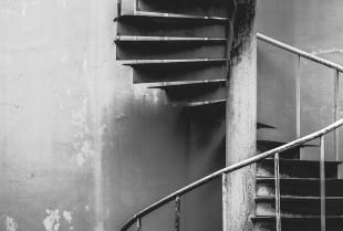 Zalety i wady kręconych schodów