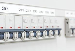 Jak dbać o bezpieczeństwo instalacji elektrycznej?