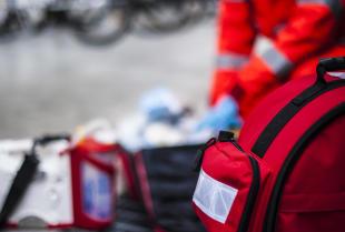 Jakie obowiązki w zakresie pierwszej pomocy ma przedsiębiorstwo?