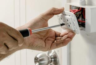 O czym pamiętać montując domową instalację elektryczną?