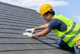Jaką odzież musi posiadać pracownik na budowie?
