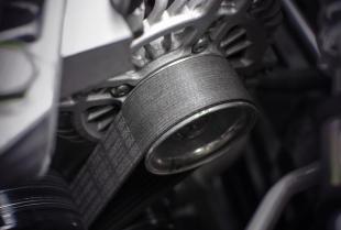 Układ rozrządu w silniku samochodu – samodzielna wymiana.