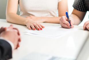 Jak przygotować się do wizyty u notariusza?