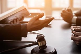 Nabycie spadku u notariusza. Co należy wiedzieć?