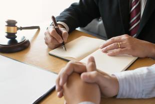 Czy radca prawny może pomóc przedsiębiorcy w sprawach podatkowych?