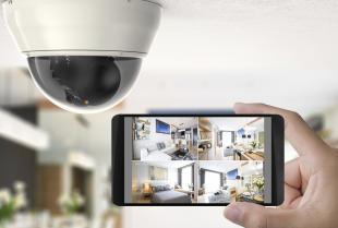 Monitoring i alarmy niezawodne dzięki czujnikom bezpieczeństwa.