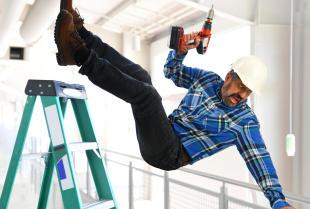 Co warto wiedzieć o szkoleniach wstępnych BHP dla pracowników?