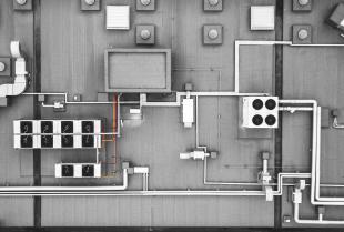 Dachowe wentylatory przeciwwybuchowe i chemoodporne – co gwarantują najlepsi producenci?