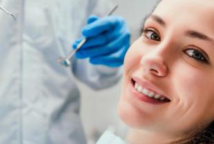 Na czym polega leczenie kanałowe zęba i czy jest bolesne?