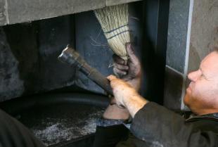 Obowiązek kontroli przewodów kominowych