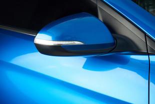 Jakie wyróżniamy rodzaje lakierów samochodowych?