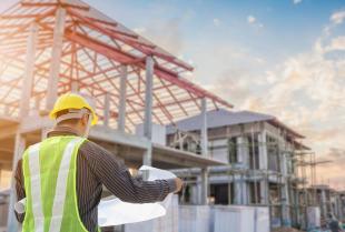 O czym należy pamiętać przy budowie domu od podstaw?