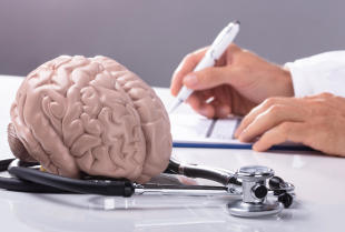 Jaka jest różnica między zwykłym bólem głowy a migreną?