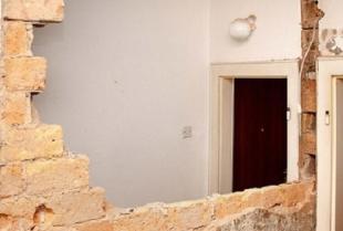 Jak wygląda demontaż ścian działowych?