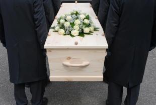 Kompleksowe usługi pogrzebowe wsparciem przy śmierci bliskiej osoby