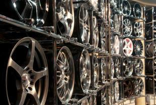 Felgi stalowe czy aluminiowe – na które rozwiązanie się zdecydować?