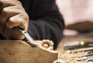 Co trzeba wiedzieć o meblach drewnianych?