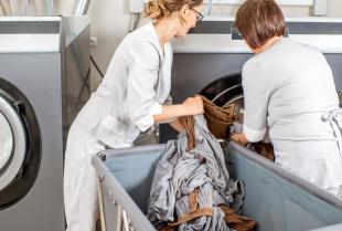 Urządzenia oraz maszyny wykorzystywane w każdej pralni