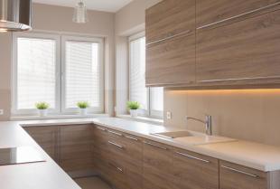 Czym powinny charakteryzować się drewniane meble kuchenne?
