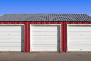 Garaż blaszany – popularne rozwiązania