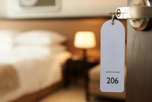 Pokoje gościnne – na co zwrócić uwagę, aby być zadowolonym z pobytu?