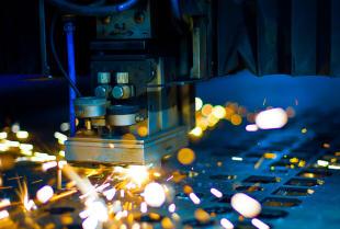 Cięcie laserowe – precyzja, uniwersalizm i błyskawiczność