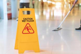 Zasady sprzątania po budowach i remontach