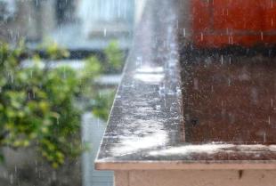 Odbiór wody deszczowej – tak prosty, jak mogłoby się wydawać?