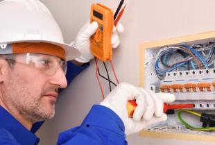 Światło w domu, jak poprawnie korzystać z instancji elektrycznej?