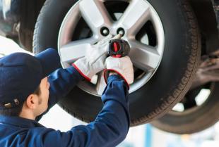Serwis, montaż i naprawa opon w samochodach osobowych