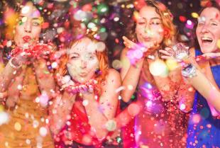 Jak uświetnić zabawę na osiemnaste urodziny?