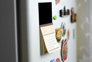 Dlaczego warto wręczać klientom magnesy wypukłe z logo firmy?