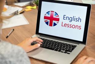 Wady i zalety nauki języka obcego przez Internet