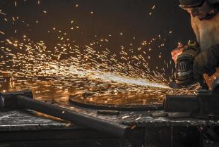 Jak wygląda proces szlifowania popularnych materiałów?