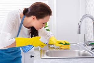Usługi firmy sprzątającej to nie luksus