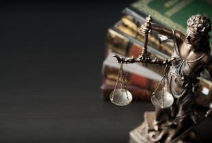 Radca prawny czy adwokat – podobieństwa i różnice