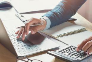 Wybór biura rachunkowego — jak podjąć dobrą decyzję?