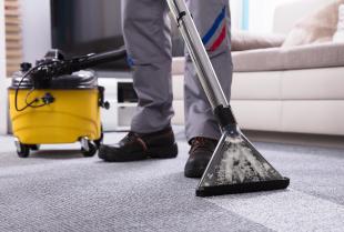 Jaki jest podstawowy zakres usług sprzątających?