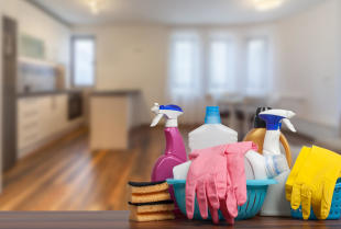Sprzątanie mieszkania – kiedy warto zdecydować się na usługi profesjonalistów?