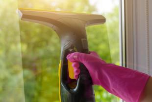 Sposób na szybkie mycie okien za pomocą myjek ciśnieniowych