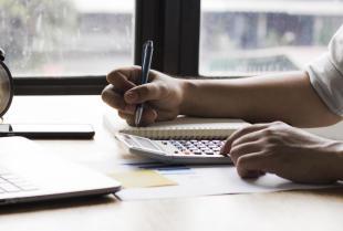 Jakie usługi wchodzą w zakres kompleksowej księgowości?