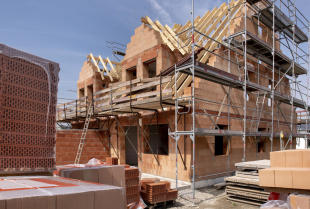 Na co zwrócić uwagę przy budowie działki budowlanej?