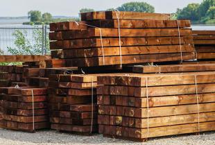 Nasycanie drewna impregnatami to niezawodne funkcjonowanie i brak uszkodzeń