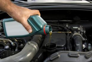 Zakup auta używanego – jakie części samochodowe należy wymienić?
