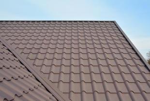 Dom energooszczędny w stylu skandynawskim – na jaki dach się zdecydować?