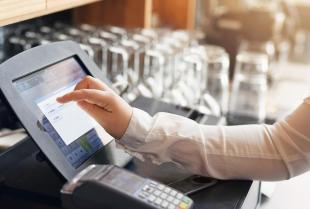 Kasy fiskalne ONLINE – poznaj nową kategorię urządzeń fiskalnych
