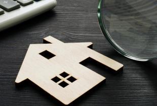 W jaki sposób rzeczoznawca dokonuje wyceny mieszkania?
